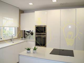 Ideas Interiorismo Exclusivo, SLU Mediterranean style kitchen
