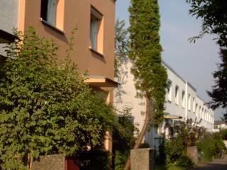 Nordfassade  NACH der Sanierung:   von Architektur + Innenarchitektur ASW