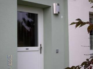 Ostfassade NACH der Sanierung:   von Architektur + Innenarchitektur ASW