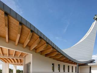 chiesa Madonna Capitana da mar: Case in stile in stile Moderno di STUDIO ADR _architetto devis rampazzo