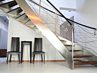 Schody ,balustrada: styl , w kategorii  zaprojektowany przez FIRMAMENT arch.Renata Kula,