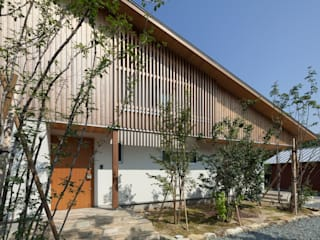Casas de estilo  por ろく設計室, Ecléctico