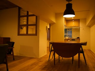 Salle à manger de style  par ろく設計室