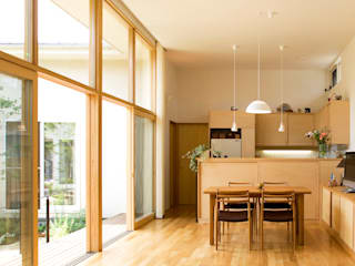 COURT HOUSE FURUKAWA DESIGN OFFICE Modern living room