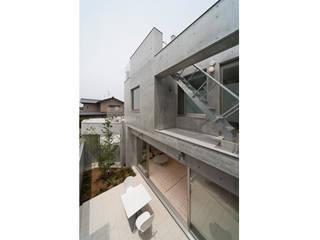 家族を育む家: アーキ・アーバン建築研究所+中出喜美男が手掛けた家です。,