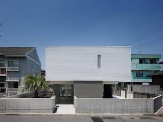 l a n i *studio LOOP 建築設計事務所 Casas de estilo moderno