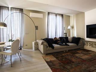 Casa Même, un'alcova nel centro di Torino Soggiorno moderno di FRANCO Arch. Emanuele - IDEeA Interior Design e Architettura Moderno