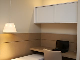 Suite Casal por Roberta Ruschel Arquitetura e Interiores Moderno