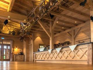 Salas de jantar  por Beinder Schreinerei & Wohndesign GmbH
