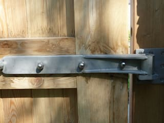 Gates and railings:   by R and A Fabrication