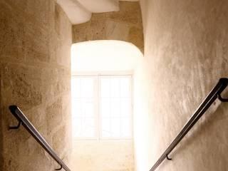 ALL IN ONE Couloir, entrée, escaliers classiques par BKBS Classique