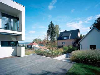 Garten K. in Dresden: moderner Garten von STORCH.LANDSCHAFTSARCHITEKTUR