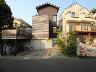 Casas modernas por 新井アトリエ一級建築士事務所 Moderno
