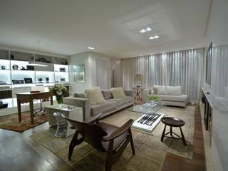 Projekty,  Salon zaprojektowane przez karen feldman arquitetos associados, Nowoczesny