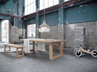 Satori: modern  door Studio Daniel, Modern