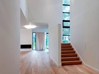 Salas de estilo minimalista de Jednacz Architekci Minimalista