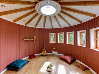 4.5m yoga space, meditation room and music room Jardines eclécticos de gemma5 Ecléctico