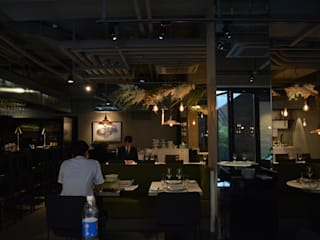 Sous Marin Restaurant: Studioba의  레스토랑,모던