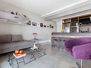 Projeto Saúde: Salas de estar  por Melina Romano Arquitetura de Interiores,Moderno