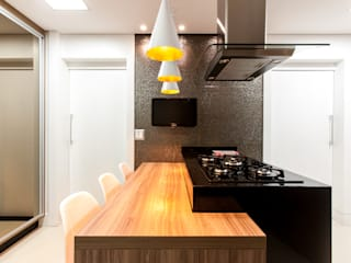 Modern kitchen by Barbara Dundes | ARQ + DESIGN Modern