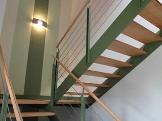 INNENARCHITEKTUR eines Einfamilienhauses in Regensburg Moderner Flur, Diele & Treppenhaus von Architektur + Innenarchitektur ASW Modern