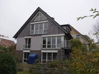 Sanierung zweier, aneinandergereihter Einfamilienhäuser in Lübeck, Krummesse:   von Architekturbüro Wolfgang Kriese