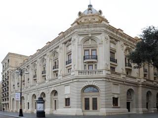 Esterno Teatro:  in stile  di Th&Ma architettura srl