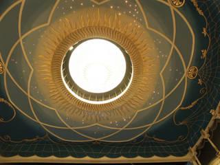 Il soffitto a Occhio di Bue:  in stile  di Th&Ma architettura srl