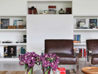 Projeto Afranio de Melo Franco Salas de estar modernas por Adriana Valle e Patricia Carvalho Moderno