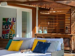 Projeto Buzios Manguinhos Varandas, alpendres e terraços modernos por Adriana Valle e Patricia Carvalho Moderno