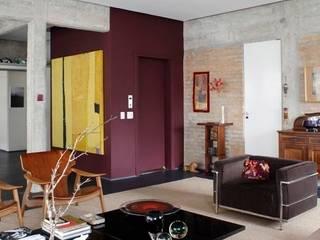Retrofit Residência Higienópolis 1: Salas de estar  por Gustavo Calazans Arquitetura