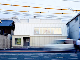 Clinic in Onomichi Eclectic style clinics by OISHI Masayuki & Associates Eclectic