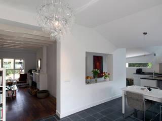 uitbreiding woonhuis Maarn:  Eetkamer door Richel Lubbers Architecten
