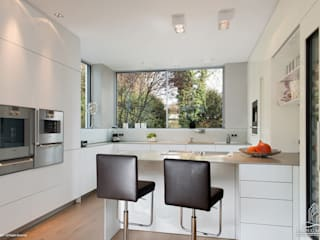Langmayer Immobilien & Home Staging Modern kitchen