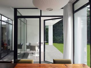 Salle à manger de style  par SeC architecten, Minimaliste