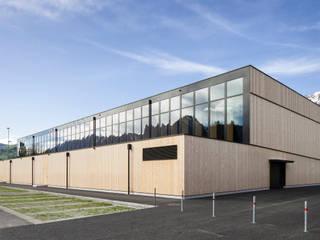 Sporthalle Sargans Moderne Schulen von Blue Architects Modern