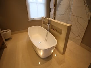 Parsons Green 2, SW6:  Bathroom by CATO creative