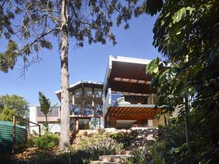 The Creek House Modern balcony, veranda & terrace by Shaun Lockyer Architects Modern