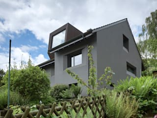 Wohnhaus Flüh: moderne Häuser von raeto studer architekten