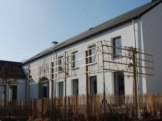 renovation: Maisons de style de style Moderne par Jean Bodart Architecte