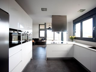 Cucina moderna di hormak Moderno