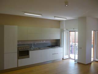 Ristrutturazione Appartamento in Via dei Berio, Roma Cucina moderna di Alessio Angelisanti Architetto Moderno