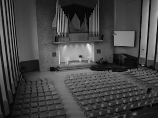 Liturgisch Meubilair Opstandingskerk Moderne congrescentra van Tim van de Weerd Modern