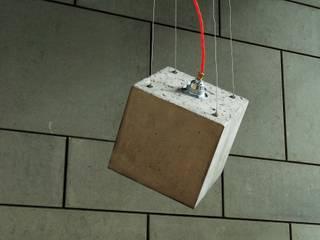 """Beton Cube """"KAA 38° flex glow"""":  Esszimmer von Beton Cube"""
