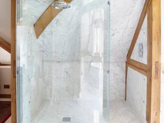 Country House Barn, Surrey:  Bathroom by Drummonds Bathrooms