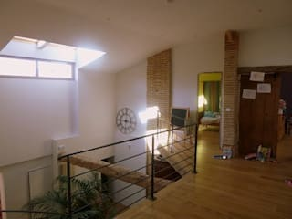 Rénovation Maison D Couloir, entrée, escaliers classiques par FARACHE CLAUDE Classique