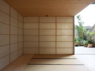 Scheunenumbau Asiatische Wohnzimmer von cvarch Asiatisch