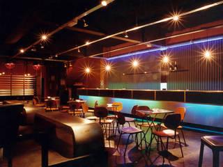 Stereo Club | casa noturna Bares e clubes modernos por ARQdonini Arquitetos Associados Moderno