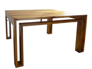 Vierkante iepenhouten tafel. : modern  door wilfred kalf, Modern
