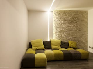 private house 13003: Soggiorno in stile in stile Moderno di piccola bottega di architettura